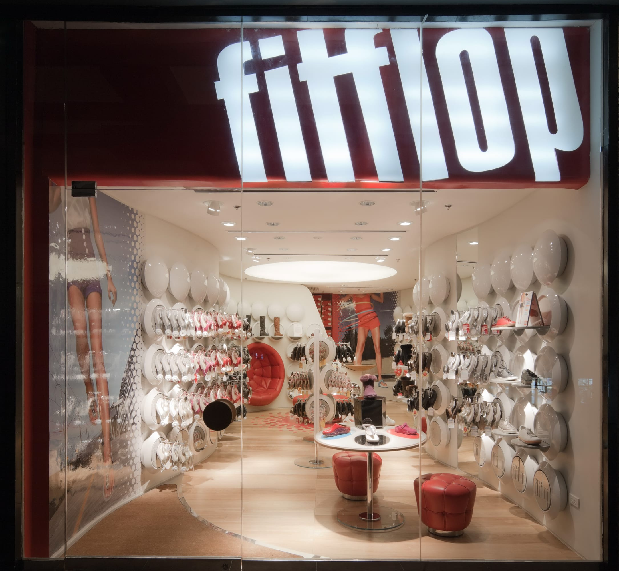 separation shoes 7ca19 f46b4 Sybarite Architects · FitFlop · Divisare