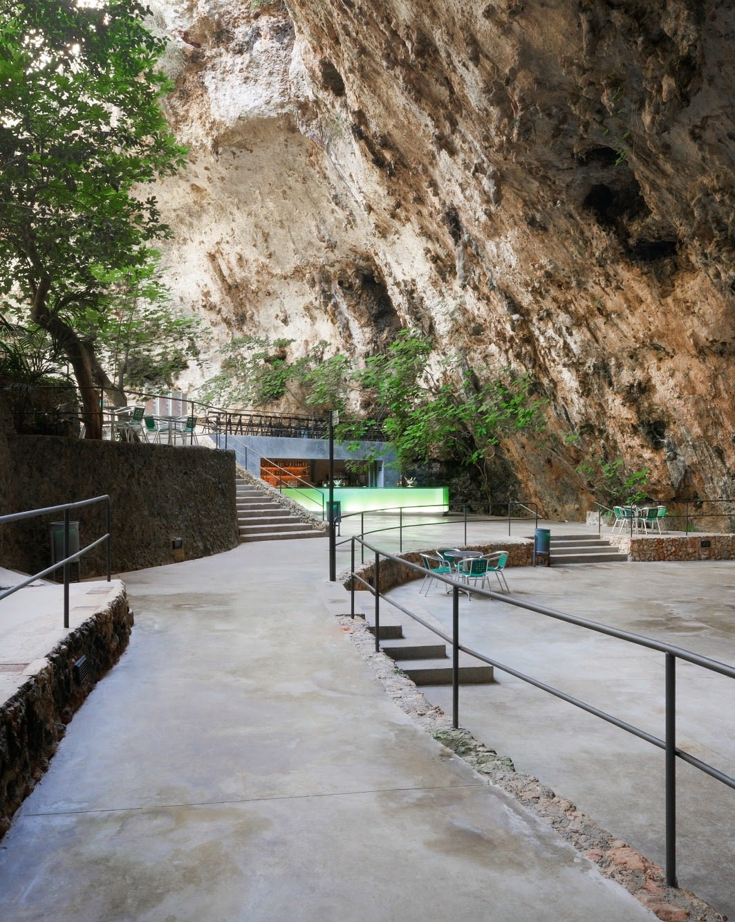 A2arquitectos · Bar in the Caves · Divisare