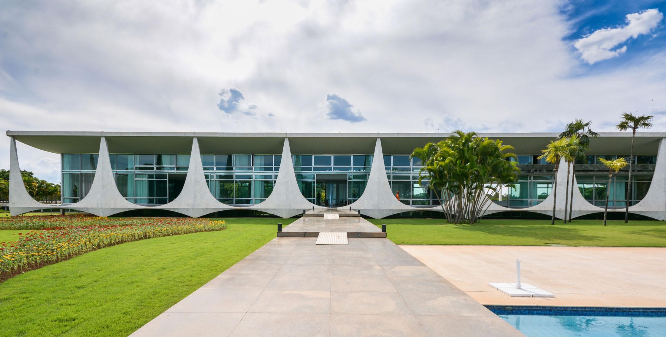 Oscar Niemeyer, Gonzalo Viramonte · Archnotitia Presidential Palaces