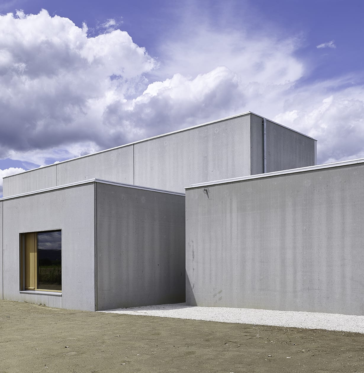 Maison Prefabrique En Beton a-mas, françois maisonnasse · office and showroom for fbi