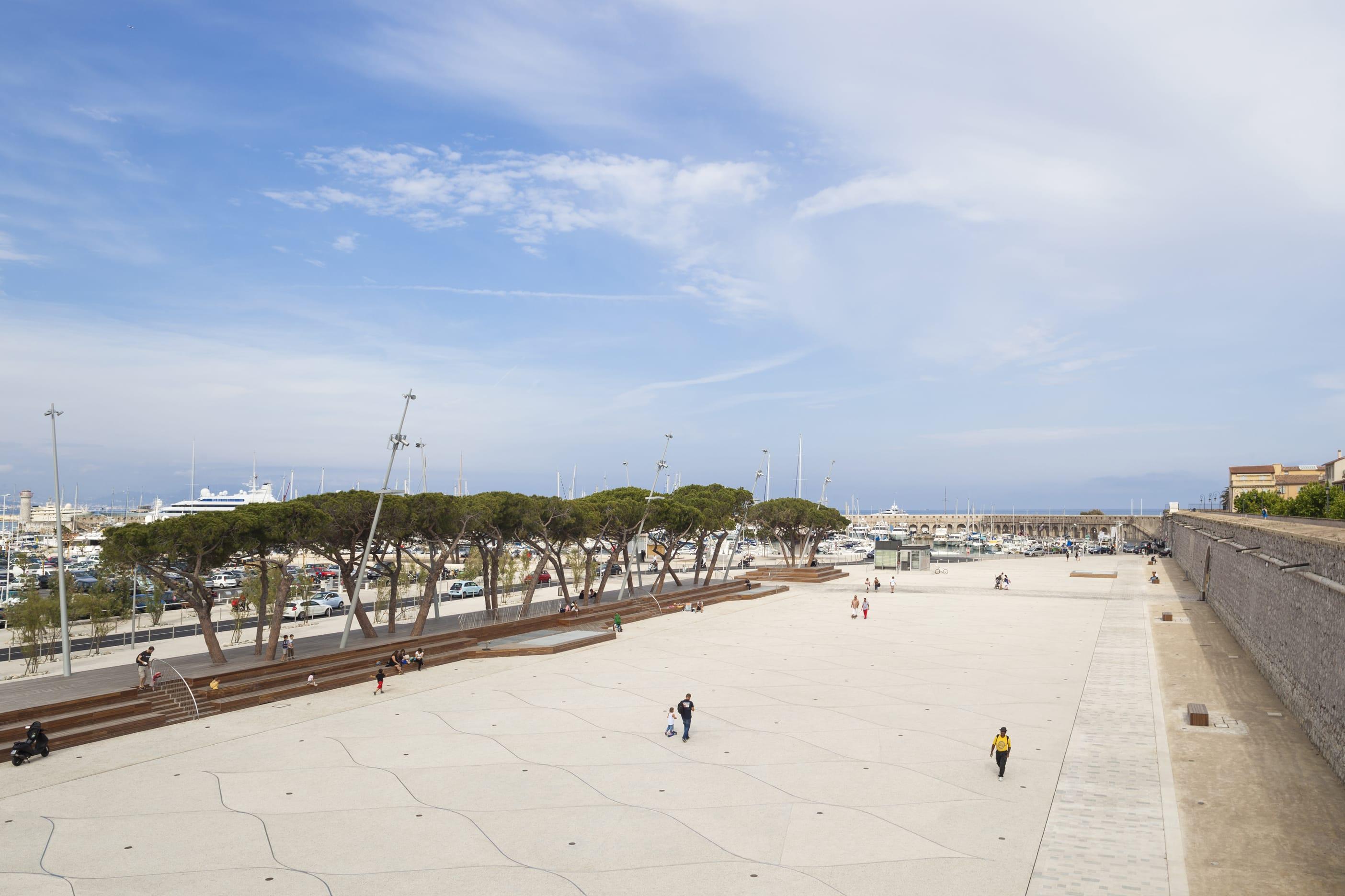 Agence Aps Paysagiste Serge Demailly Esplanade Du Pre Des