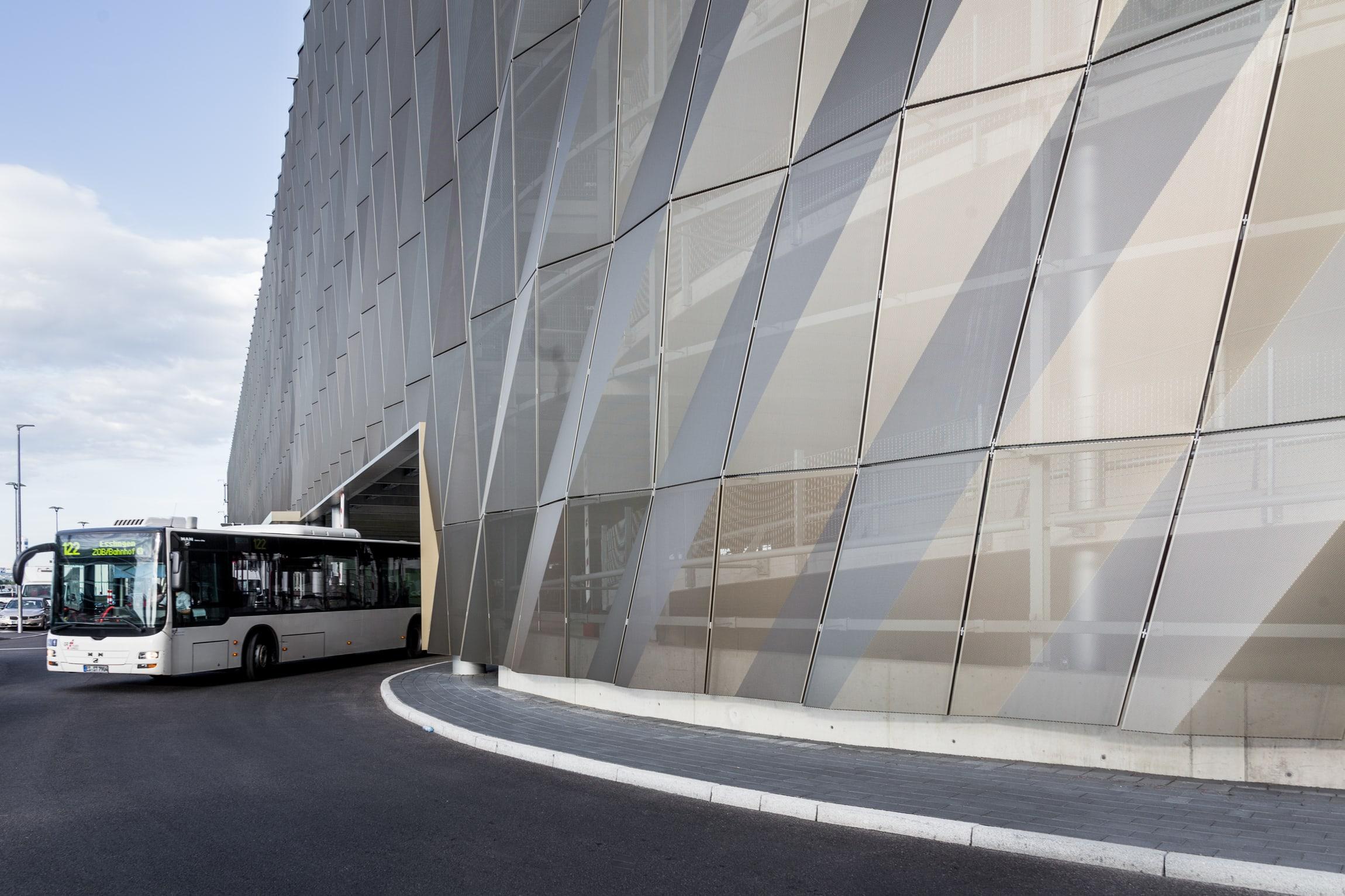 wulf architekten · Stuttgart Airport Busterminal with Car Park P20 ...