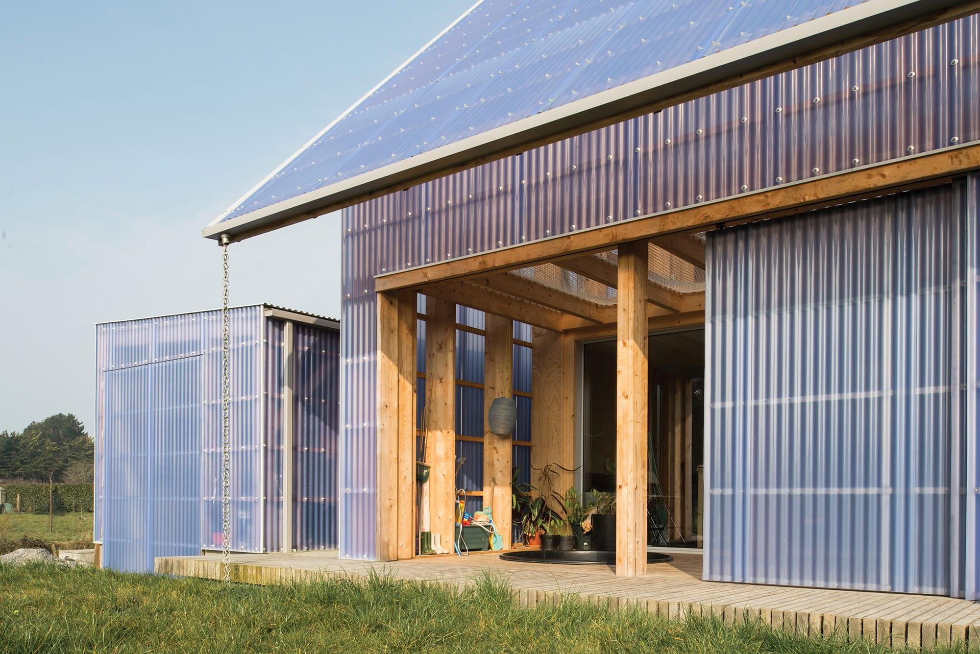 Comment Ventiler Un Garage Humide brut architectes, maxime castric · pendu · divisare