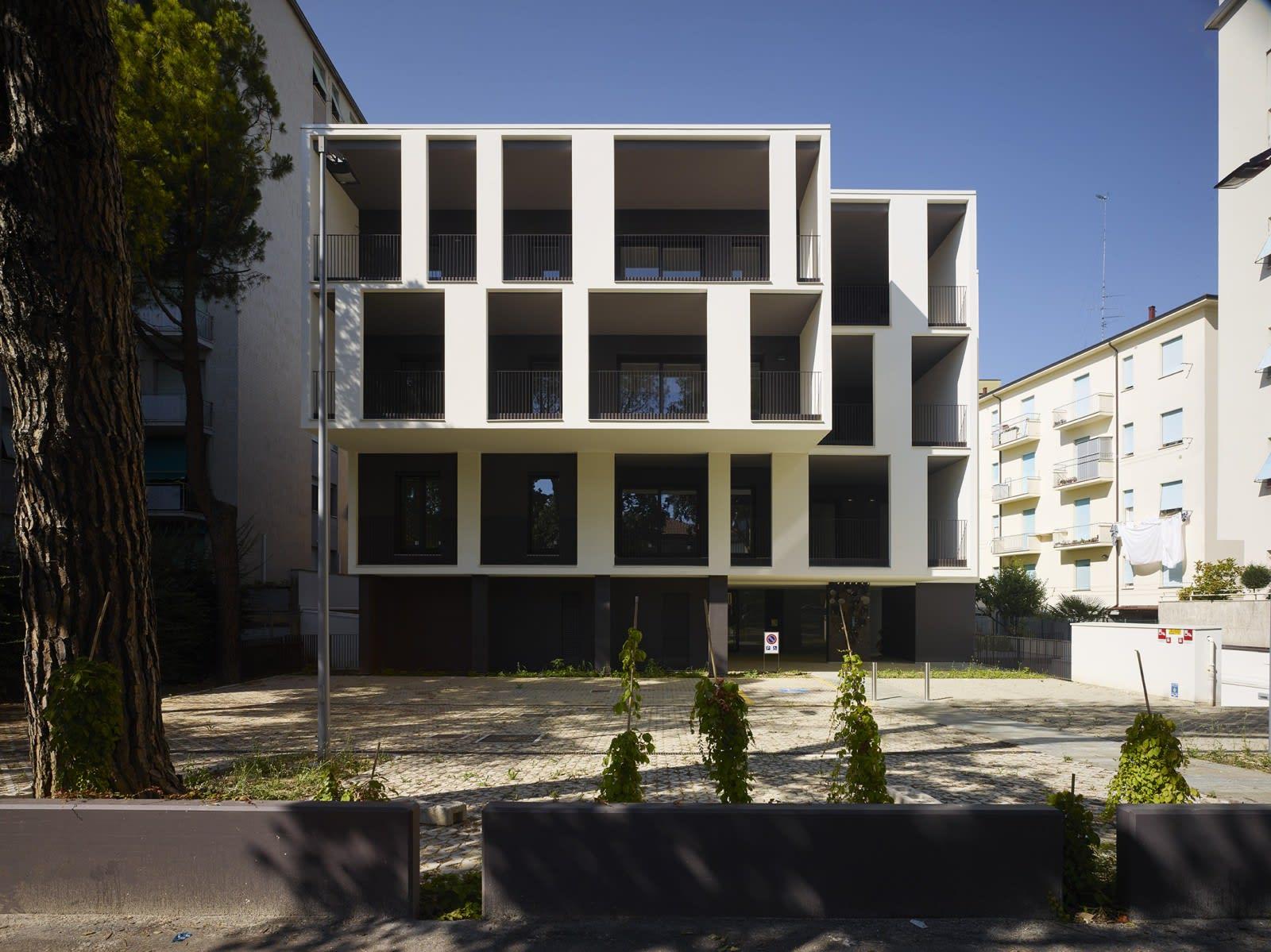 Alessandro Bucci Architetti alessandro bucci architetti, pietro savorelli · edificio