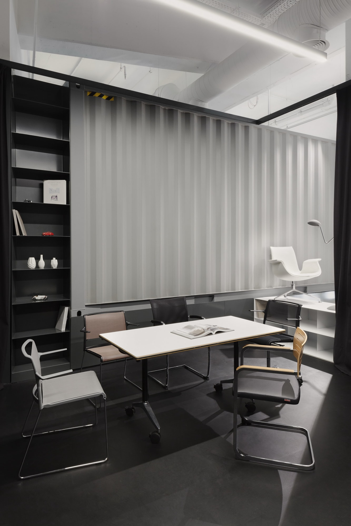 DA Architects · Workspace showroom · Divisare