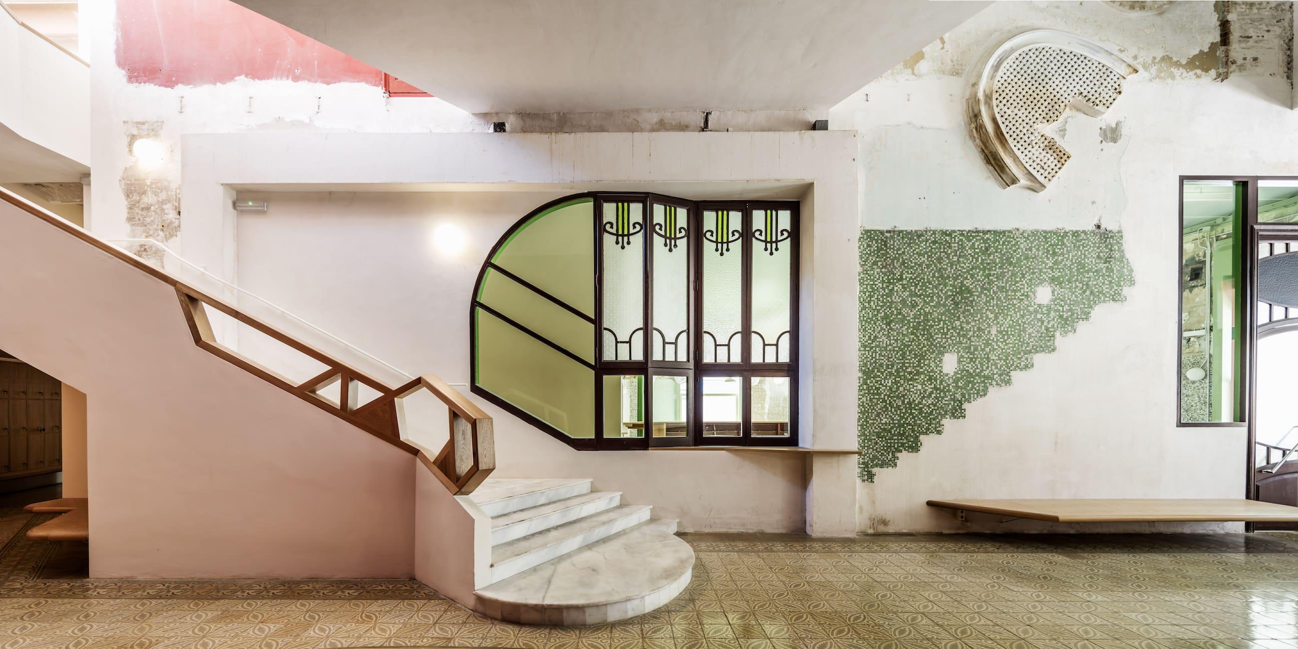 Studio La Sala Milano flores & prats, adrià goula · sala beckett · divisare