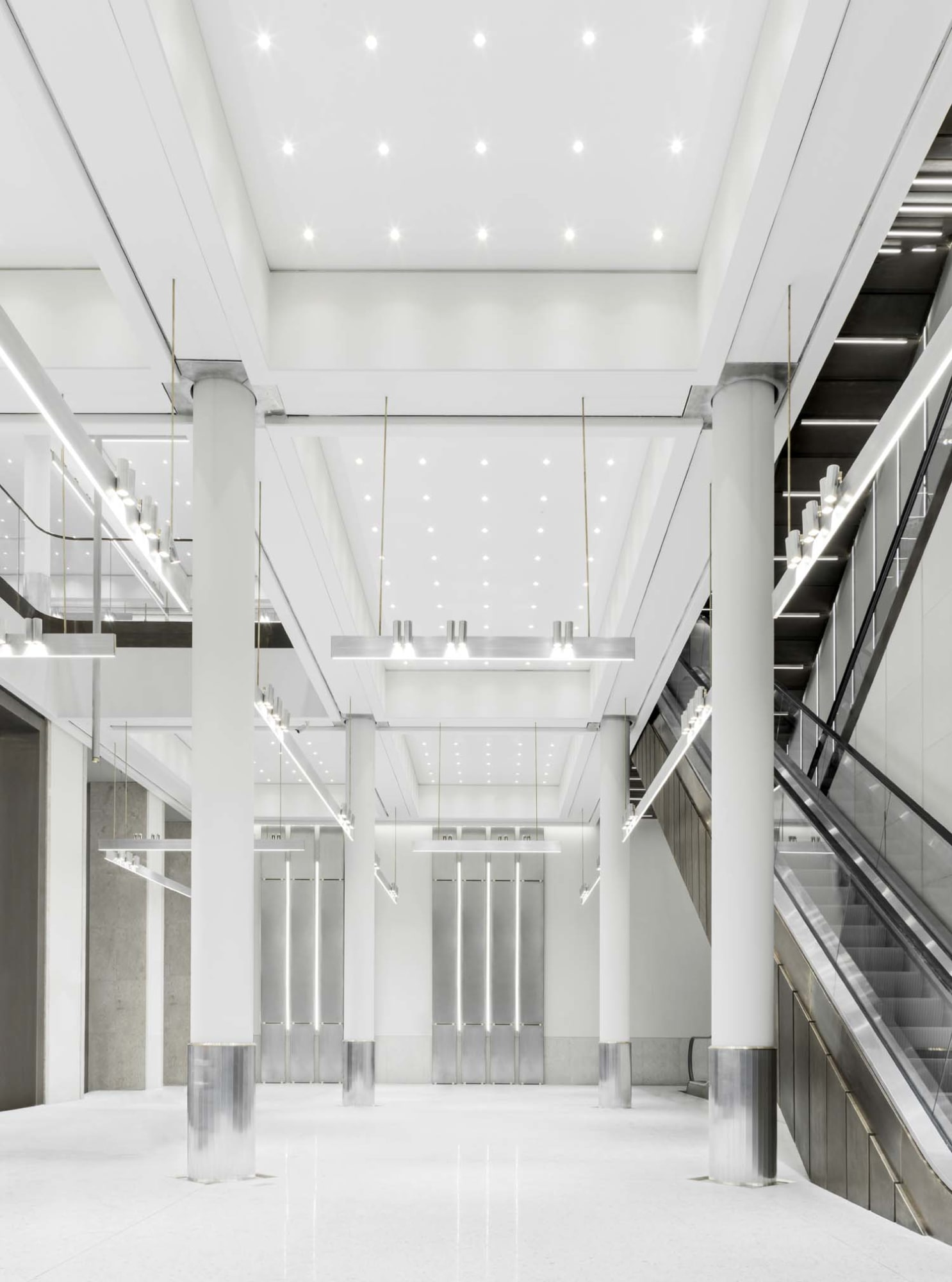Elsa Urquijo Architects · ZARA MAN MILANO · Divisare