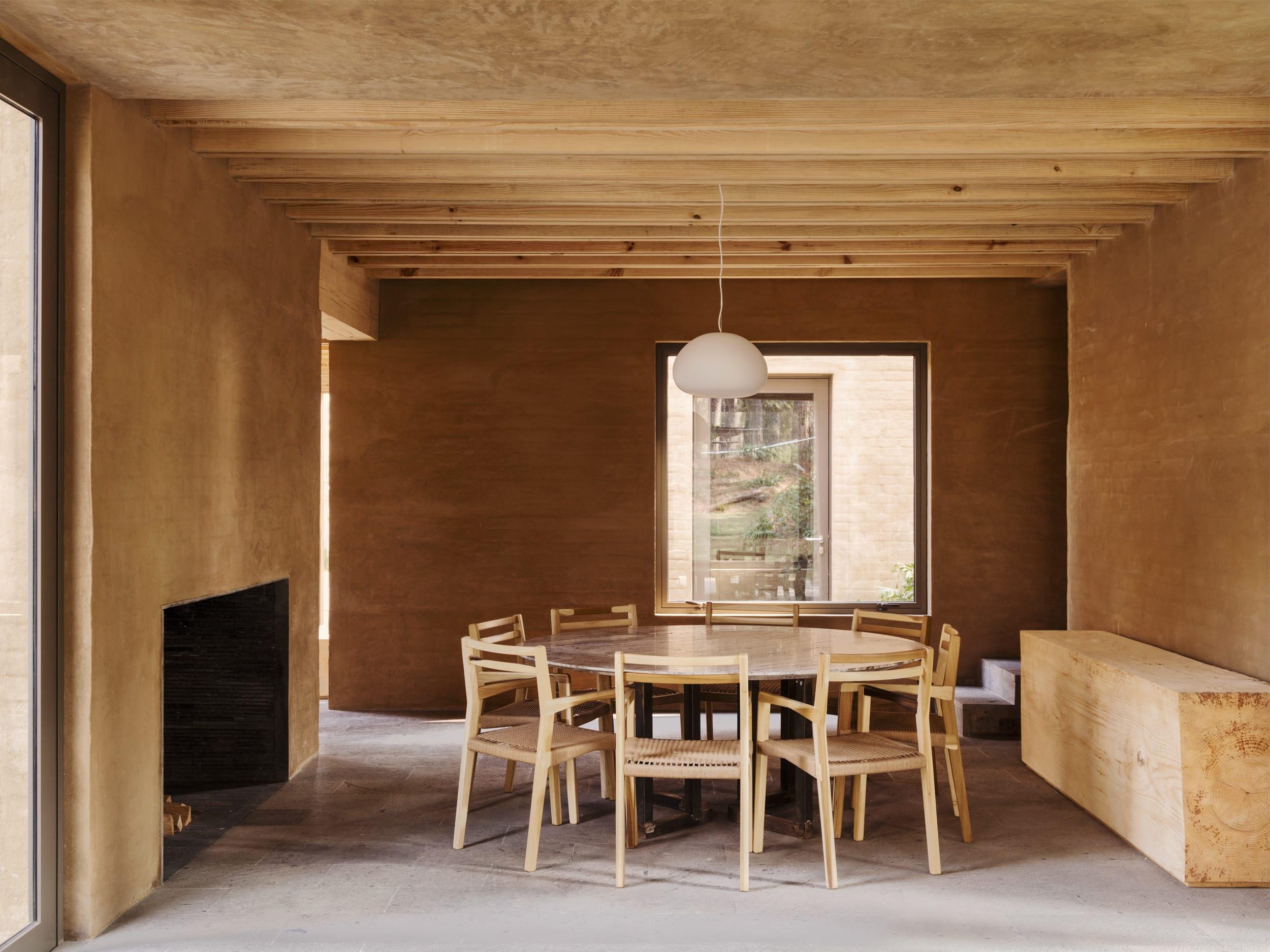 Strange Taller Hector Barroso Rory Gardiner Entre Pinos Divisare Machost Co Dining Chair Design Ideas Machostcouk