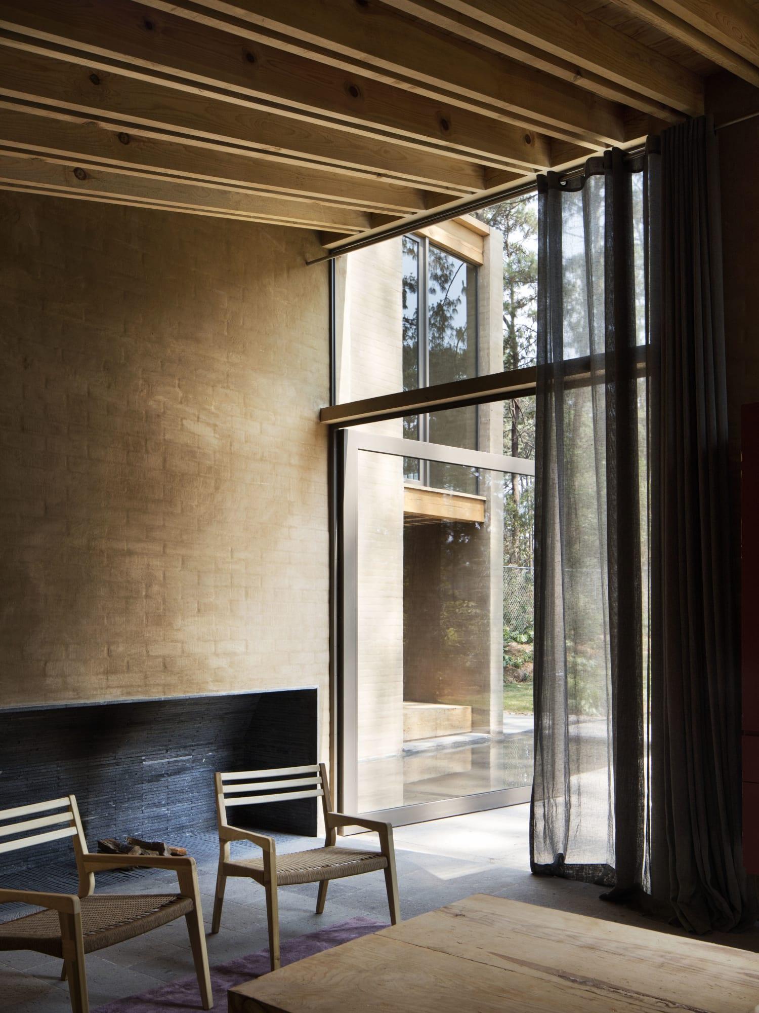 Terrific Taller Hector Barroso Rory Gardiner Entre Pinos Divisare Machost Co Dining Chair Design Ideas Machostcouk