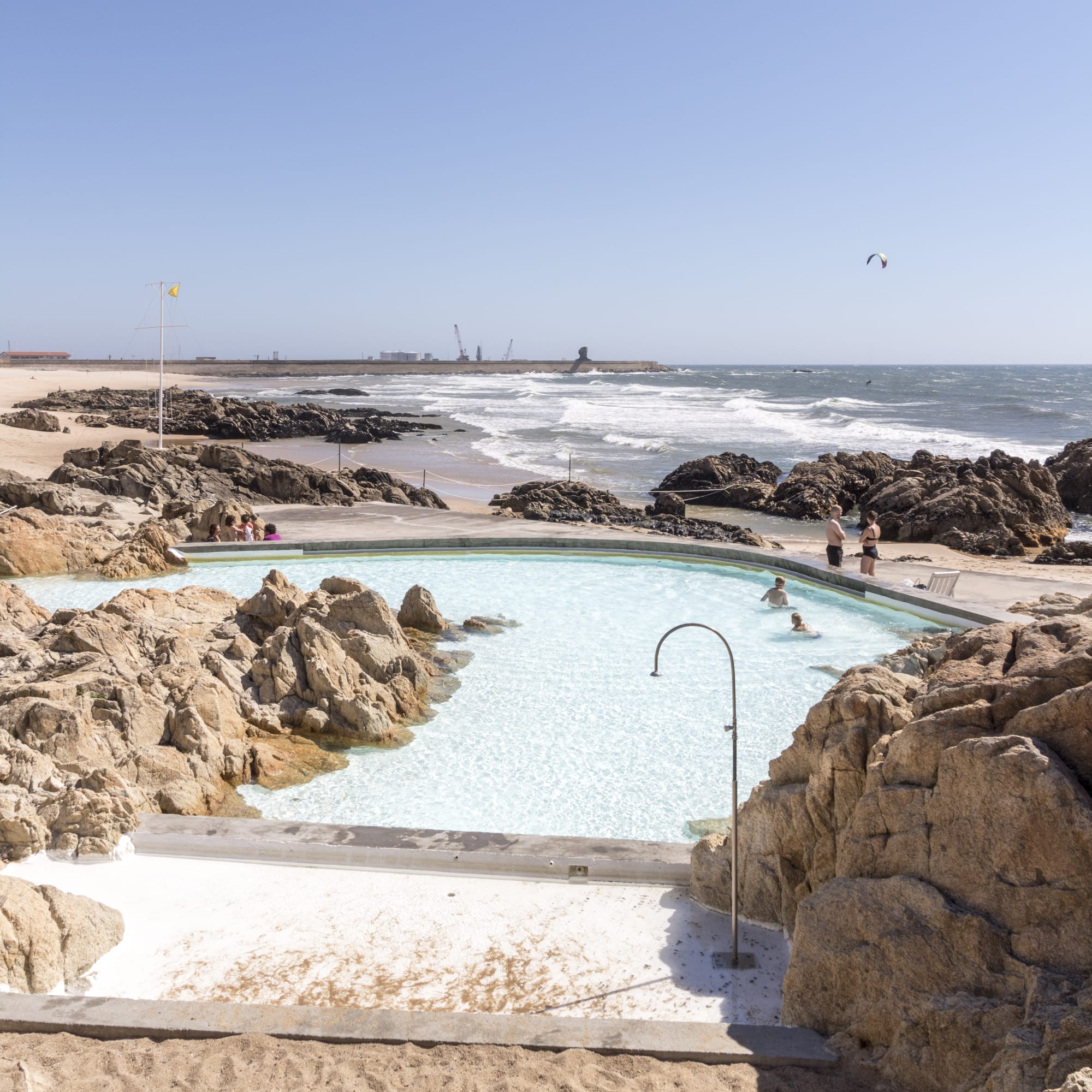 Foto Di Piscine Private Álvaro siza vieira, giovanni amato · piscina das marés