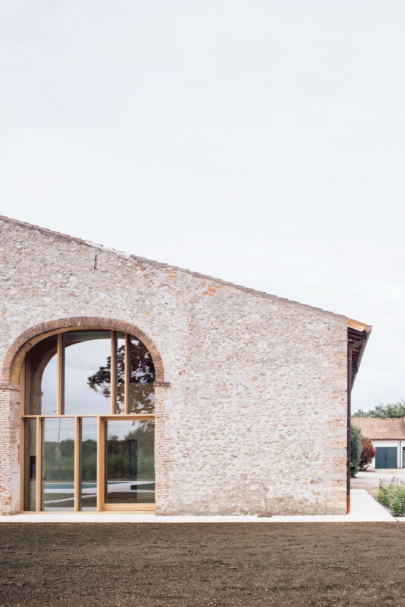 Facciata Casa Di Campagna studio wok, simone bossi · a country home in chievo · divisare