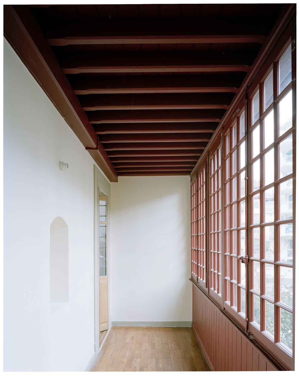 Rapin Saiz Architectes Joel Tettamanti Renovation Et Surelevation D Une Maison Locative Divisare